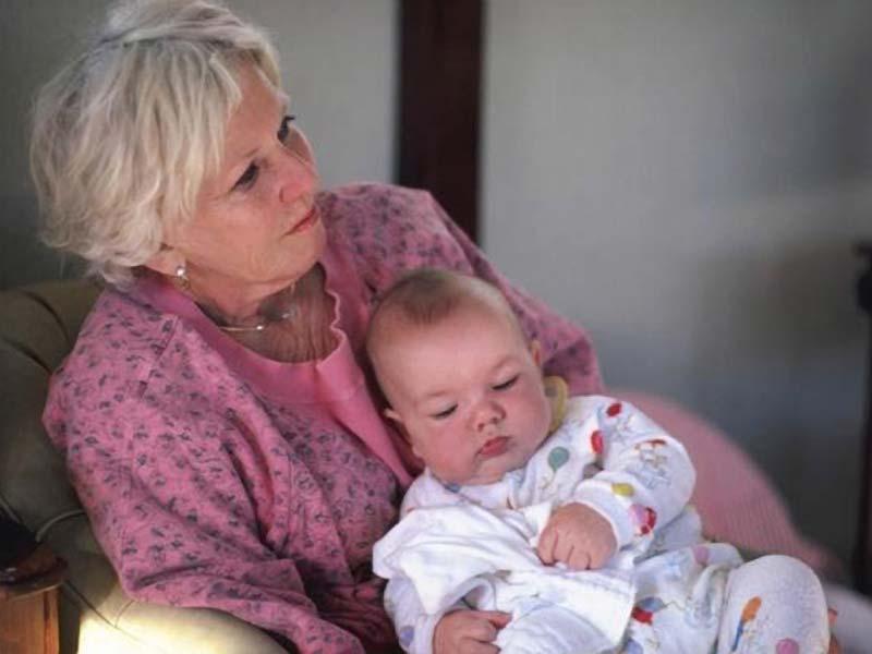 Пенсионерка - молодая мама